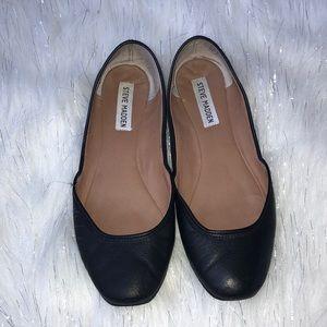 Steve Madden Black leather flats. Used. Size 7